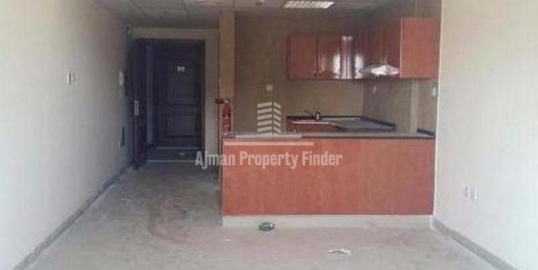 Studio in Nuamiyah Towers - C - Ajman - Kitchen view from hall