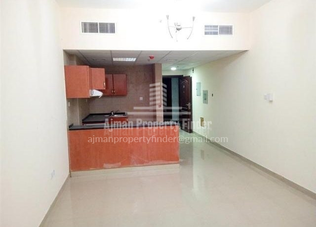 Studio in Nuamiyah Towers Ajman - view from hall