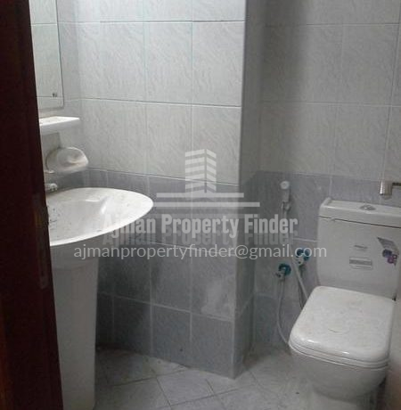 Studio flat in Ajman Pearl Towers - Bathroom view